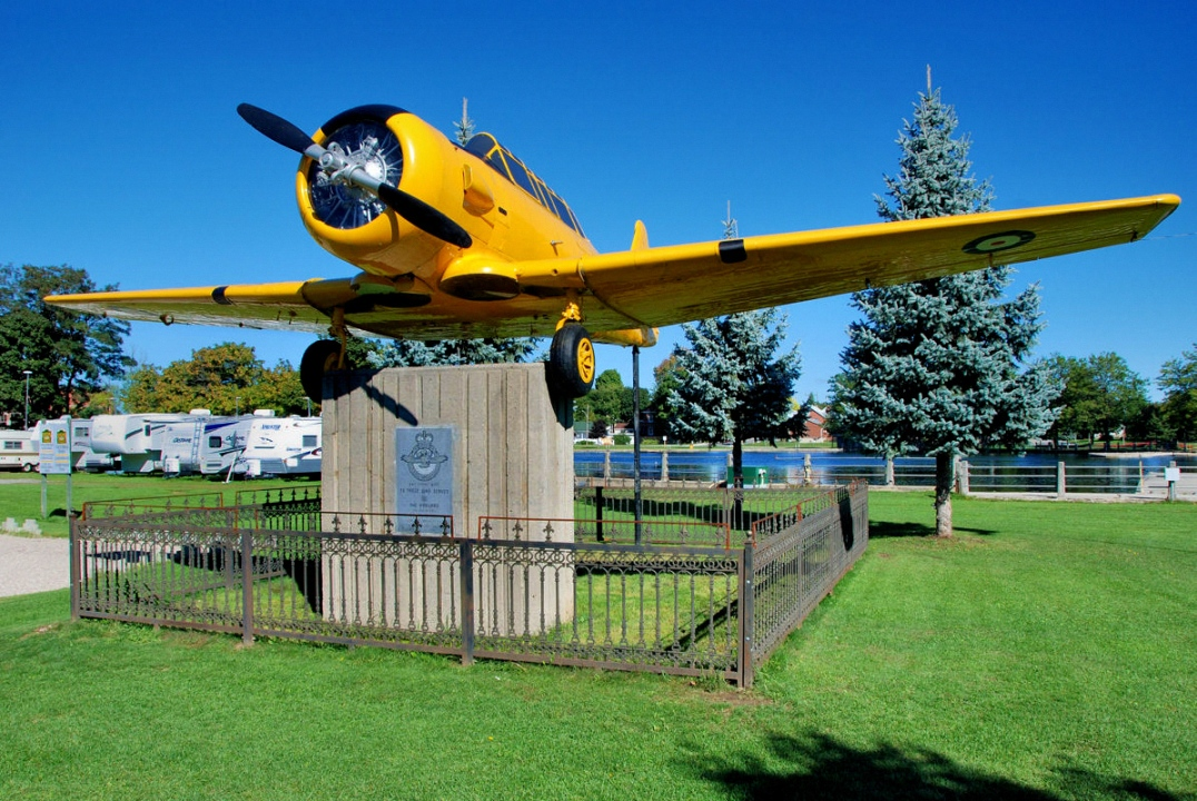 A World War 2 Harvard Trainer Aircraft on display in Smith Falls